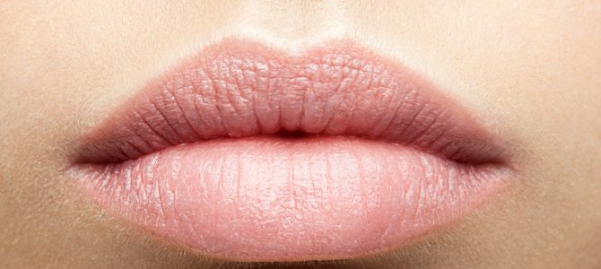Mit Kokosöl Lippen zart pflegen